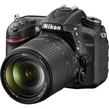 Nikon D7200 DSLR Camera with 18-140mm